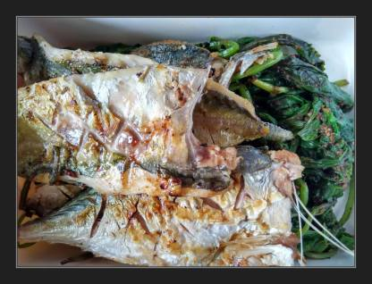 Grilled Mackerel on bed of Spinach